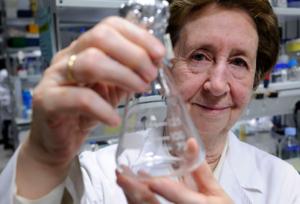 La Mujer en la Ciencia   Margarita Salas
